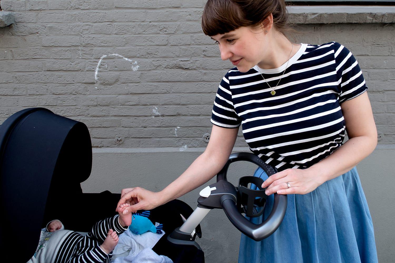 Stokke | xplorymoments | Outfit | Jeansrock | Midi | Streifen | Baby | Momstyle | ivy.li