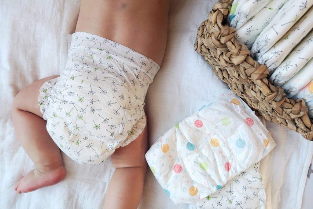 Achtsame Babypflege am Wickeltisch - ivy.li