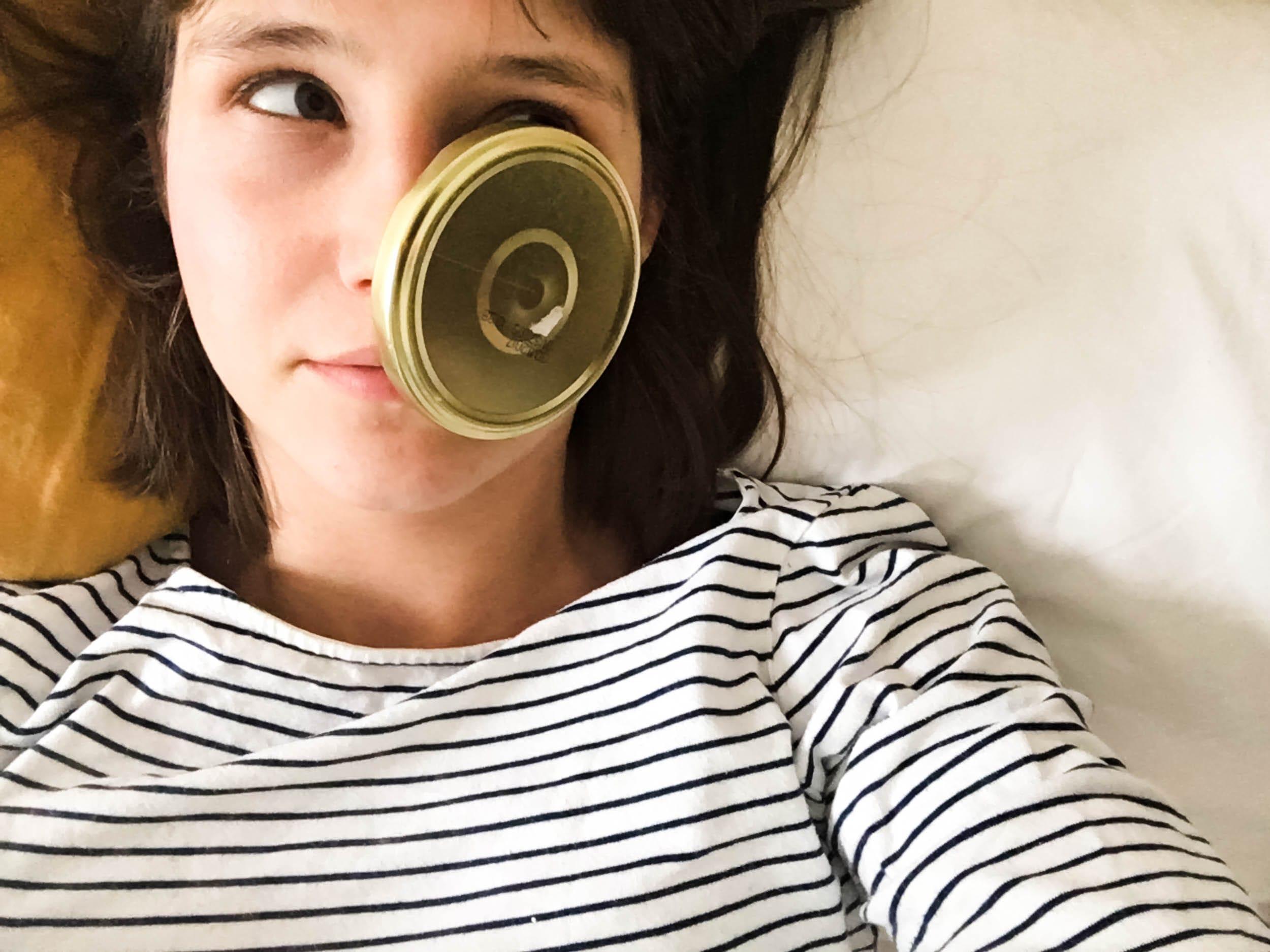 Mama | Deckel im Gesicht | Kinderspiel | Leben mit Kind | ivy.li