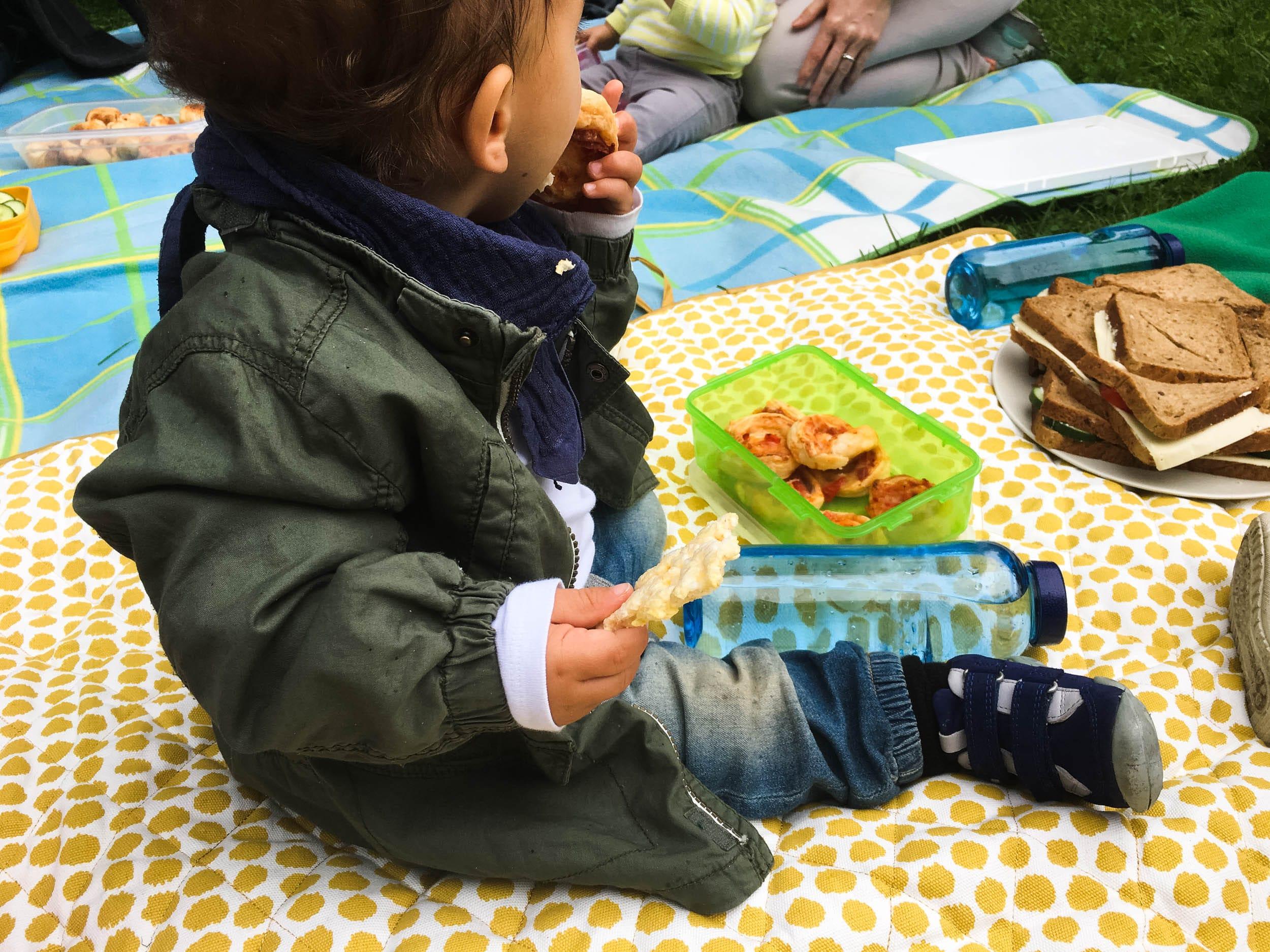 Wochenende in Bildern | Leben mit Kind | Alltag | Picknick | KiTa | Pizzaschnecken | ivy.li