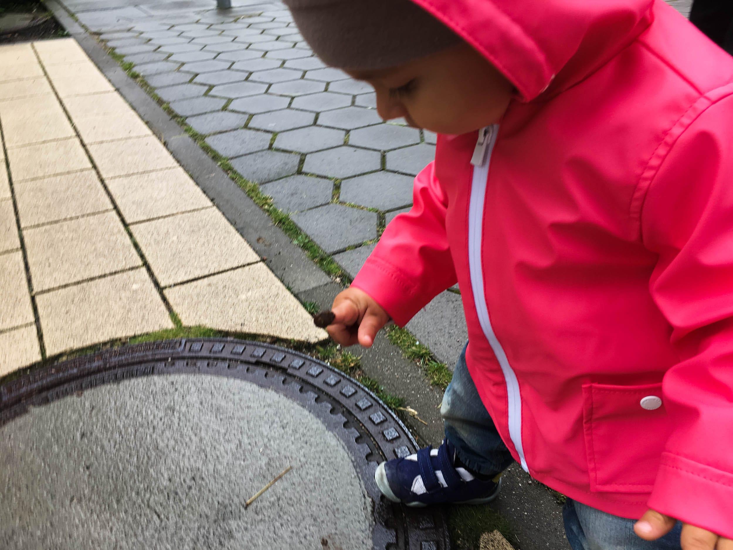 Wochenende in Bildern | Leben mit Kind | Alltag | Kleiner Entdecker | Matsch | Regen | Spaziergang | ivy.li