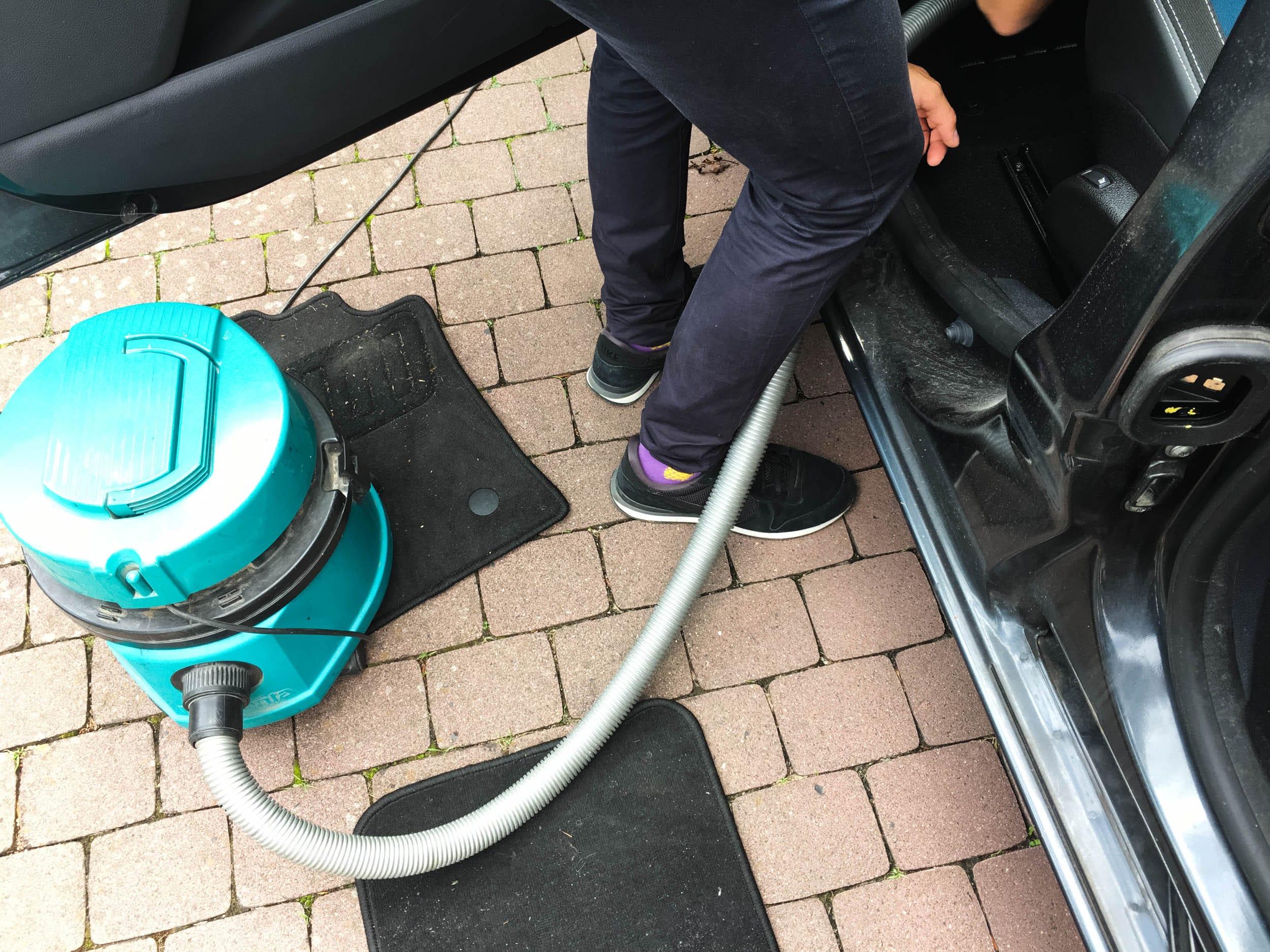 Auto saugen | ivy.li