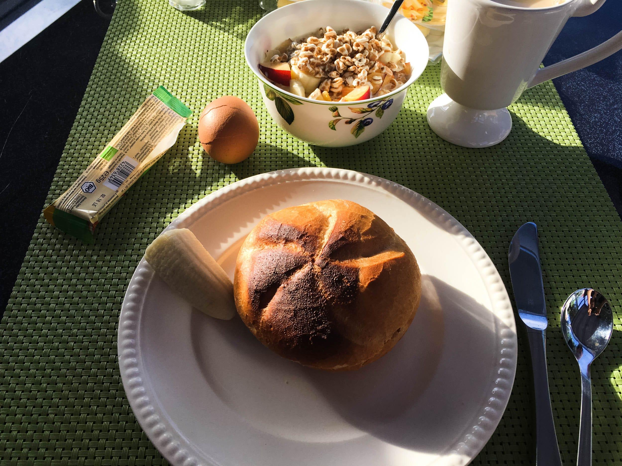 Frühstück auf der Terrasse | ivy.li