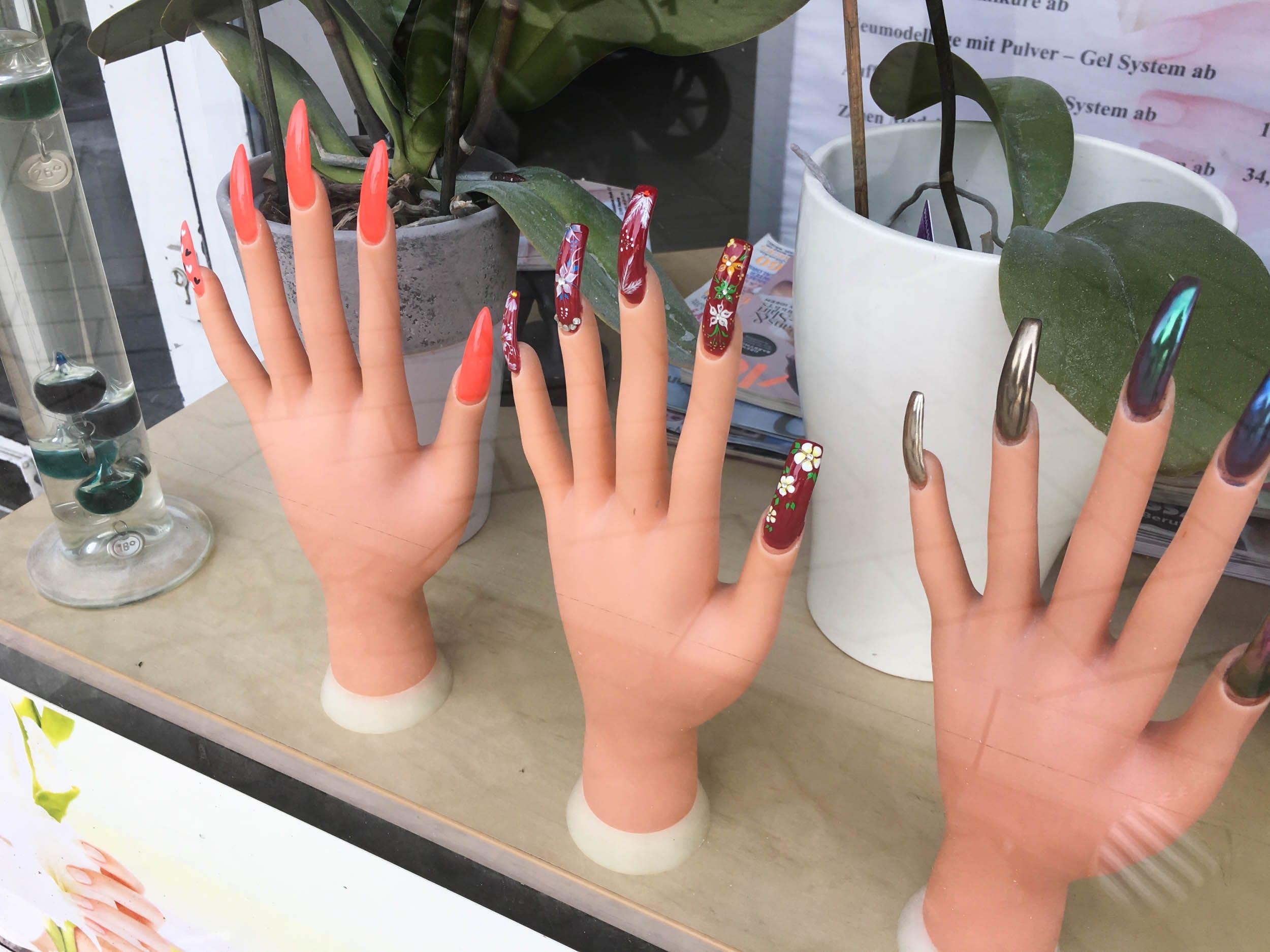 Künstliche Fingernägel | ivy.li