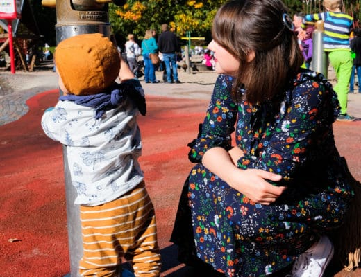 Ein Sonntag auf dem Spielplatz im Blumenkleid | Momsytel | Mama und Sohn | ivy.li