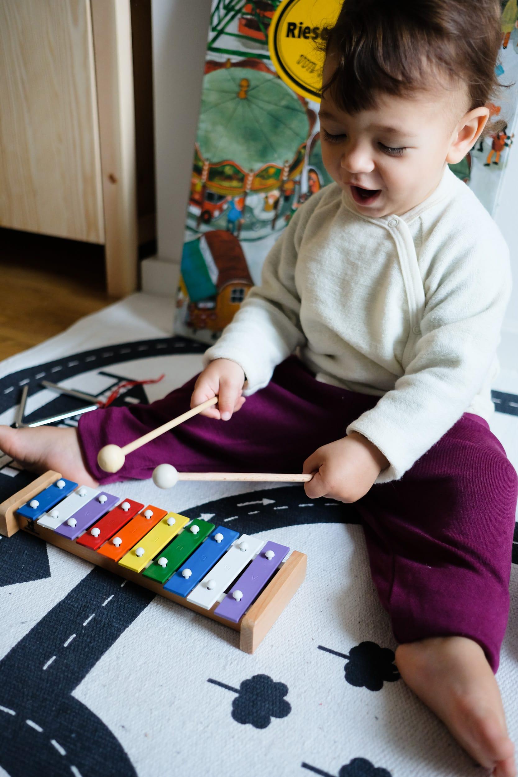 Musikinstrumente für Kleinkinder | Zuhause musizieren mit Kleinkindern und Babys | Glockenspiel | ivy.li