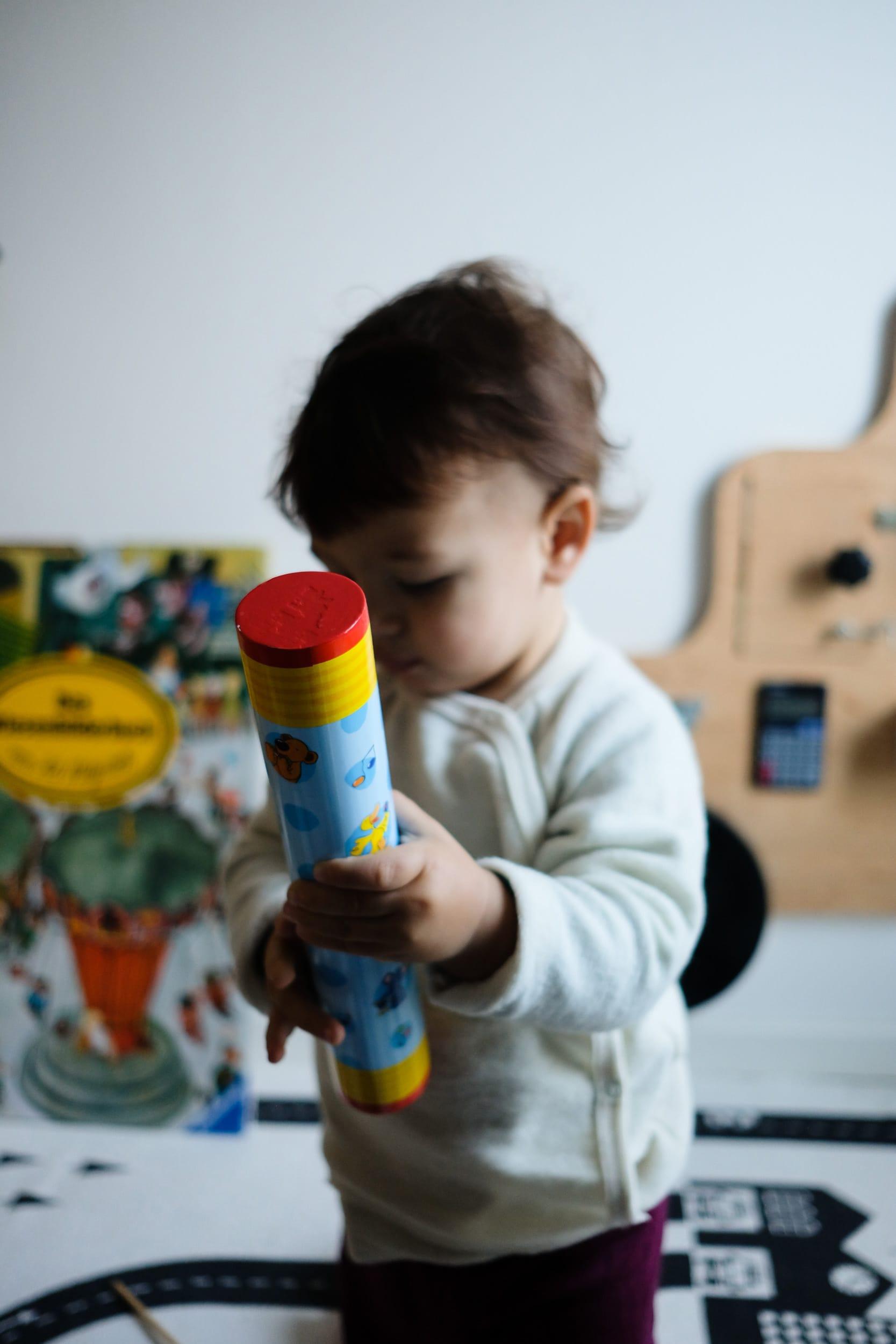 Musikinstrumente für Kleinkinder | Zuhause musizieren mit Kleinkindern und Babys | Regenmacher | ivy.li