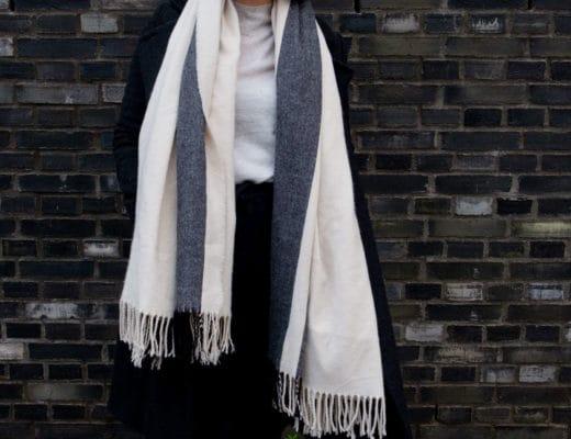 Momstyle in bequeme Baumwollhose und Kaschmir Pullover | Schöne Kaschmir Pullover für den Winter | Fashion | Outfit | Style | ivy.li