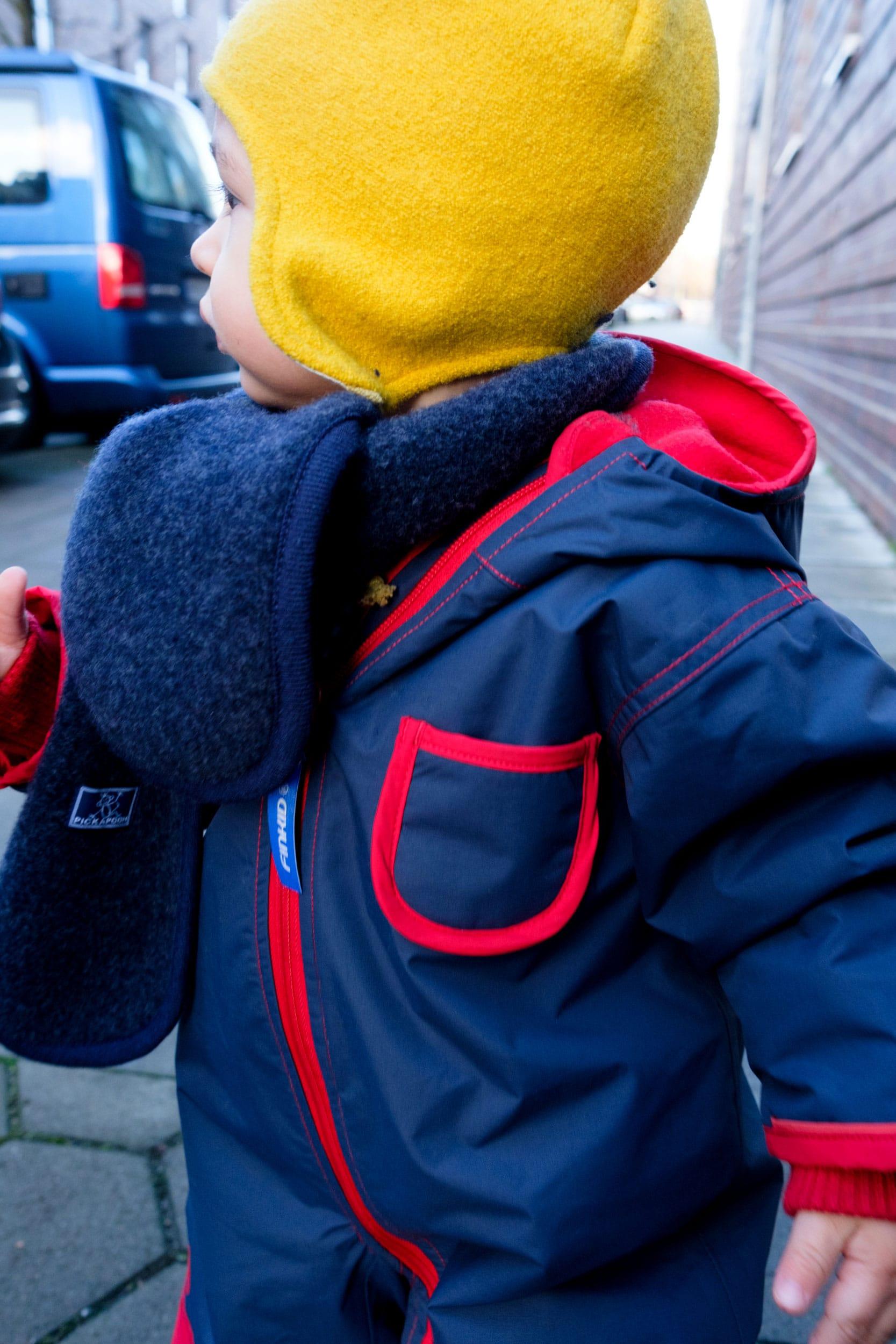 Was ziehe ich meinem Kleinkind im Winter an? | Kleine Kinder im Winter richtig anziehen | Winter Essentials | Baby | Kleinkind | Winterkleidung | Schneeanzug von Finkid | Wollmütze | Schurwolle | Kinder im Winter tragen | Warme Kleidung | ivy.li