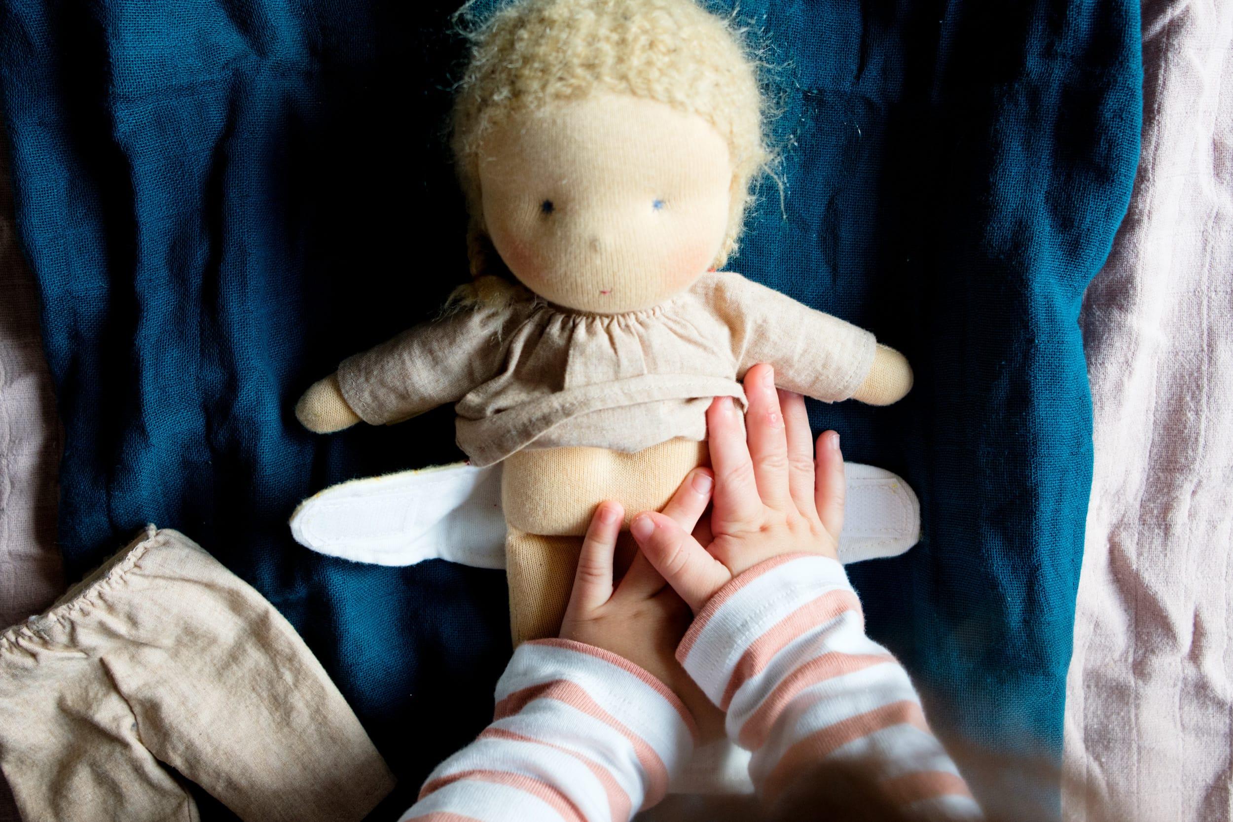 Wunder Po und Windeldermatitis | Unsere Tipps und Tricks | Hilfe bei wunden Babypos | Wickeln | Pflege | Körperpflege bei Baby und Kleinkind | Hausmittel | Hilfe aus der Natur | Leben mit Kind | Mama | Wickeltisch | Heilwolle | Heilsalbe | Sitzbad | Windelfrei | #baby #kinder #kleinkind #tipps #hausmittel #mama | Mehr auf ivy.li
