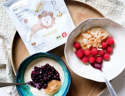 Demeter Getreidebrei von Löwenzahn Organics | Beikost | Babynahrung | Frühstücksbrei mit warmen Heidelbeeren, Himbeeren, gerösteten Kokoschips und Kokosblütenzucker | Mehr auf https://ivy.li